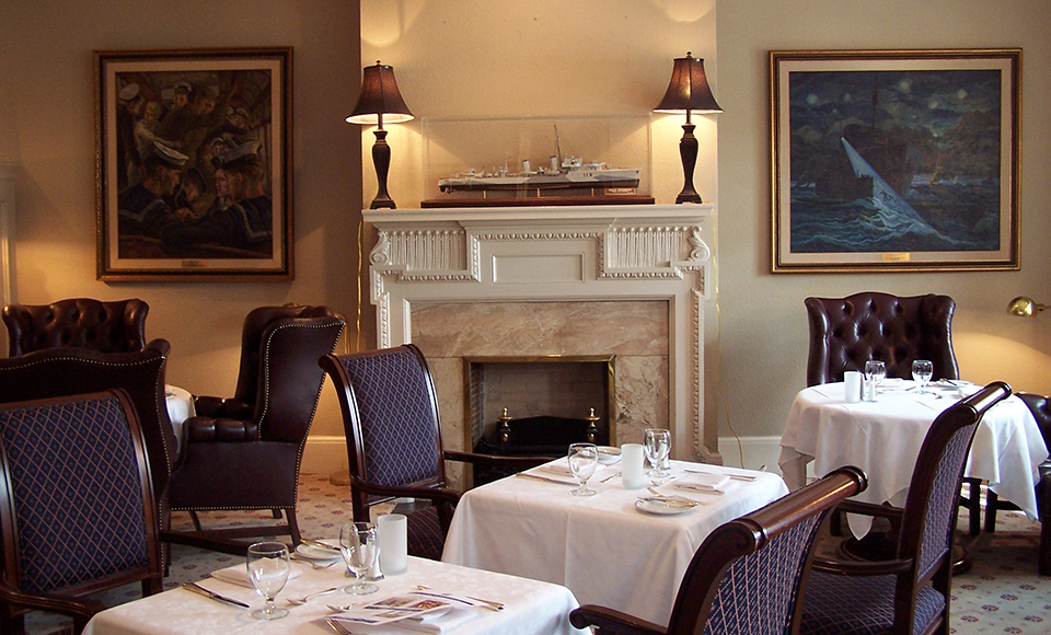 Dining at Albany Club